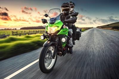 Kawasaki Versys-X 300 màu xanh ABS
